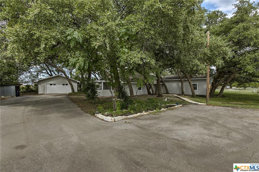 850 Fm 970 Property Photo