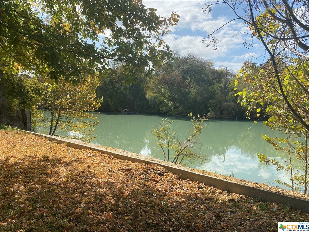 10 River Oak Drive Property Photo