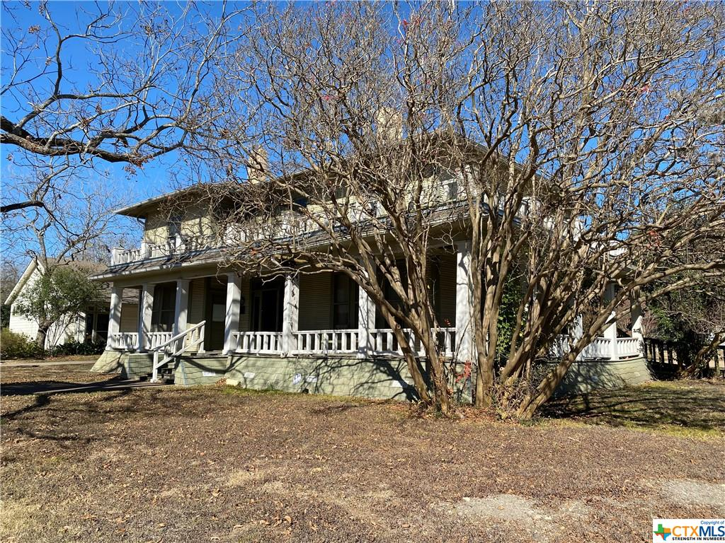 400 W Travis Street Property Photo - Holland, TX real estate listing