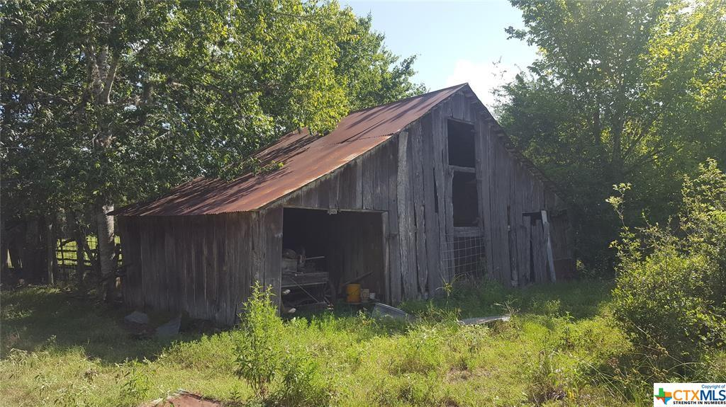 000 County Road 138 Property Photo - Hallettsville, TX real estate listing