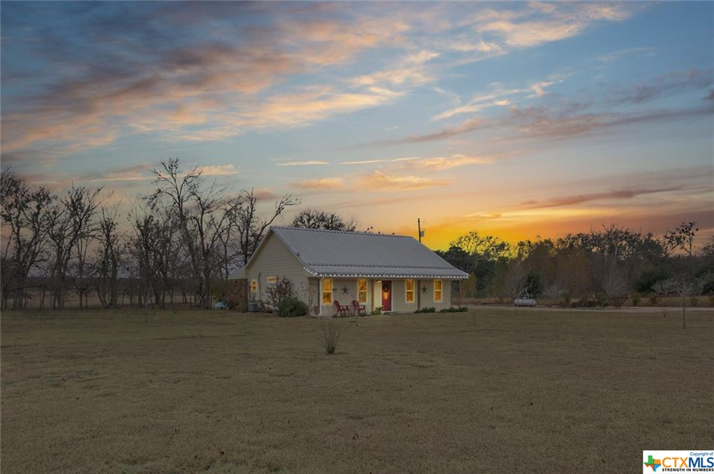19479 Vilas Road Property Photo - Holland, TX real estate listing