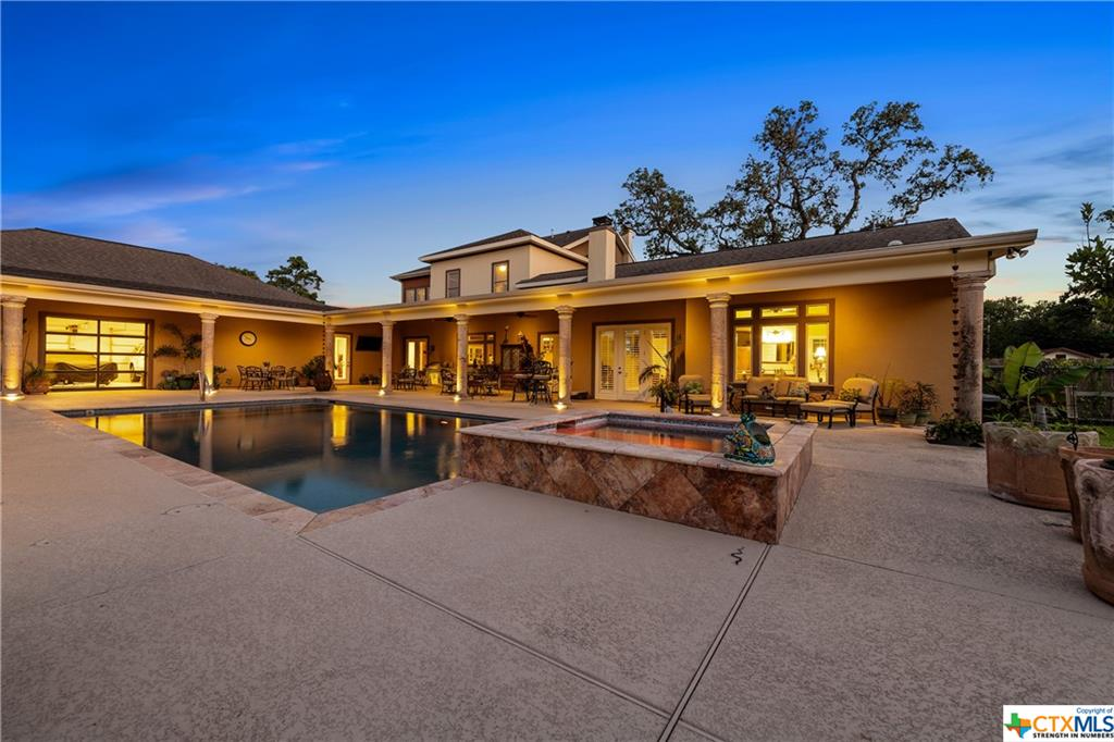 318 E Reuss Boulevard Property Photo - Cuero, TX real estate listing