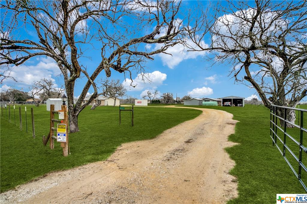 501 Old Seguin Luling Road Property Photo - Seguin, TX real estate listing