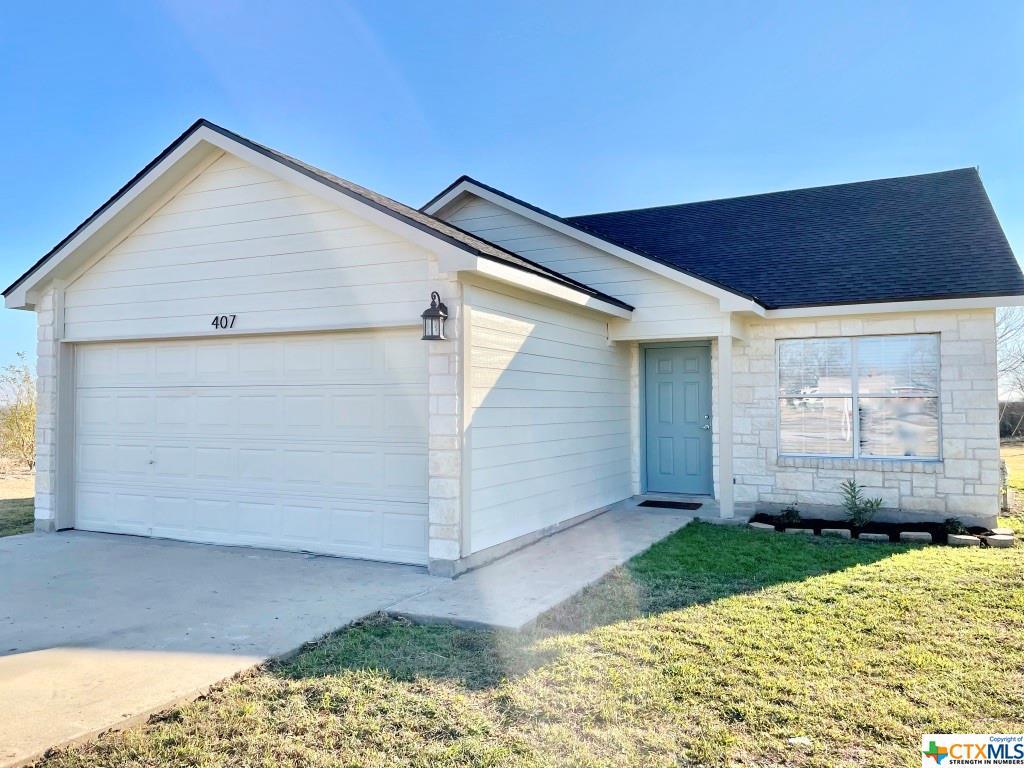 407 E Pietzsch Street Property Photo - Bartlett, TX real estate listing