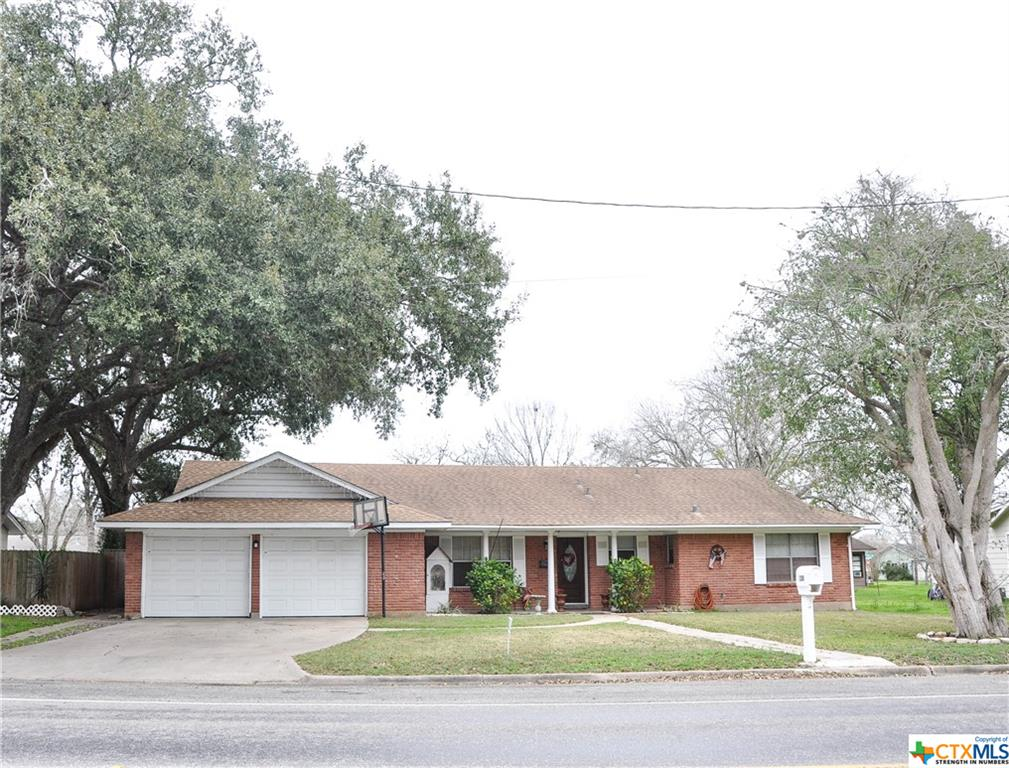 1208 Terrell Street Property Photo - Cuero, TX real estate listing