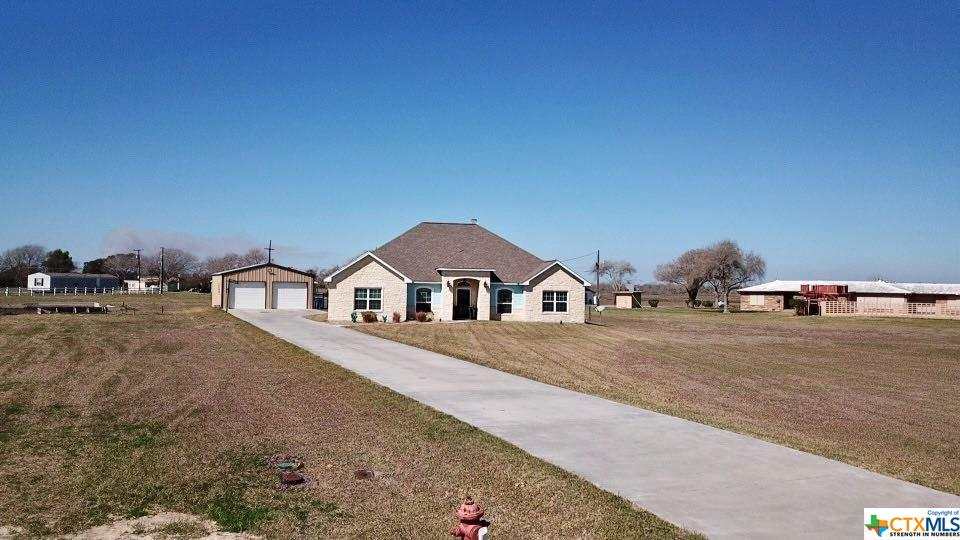 225 Blue Heron Drive Property Photo - Port Lavaca, TX real estate listing