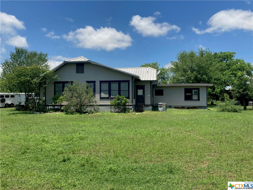 300 Quarterhorse Property Photo - Luling, TX real estate listing