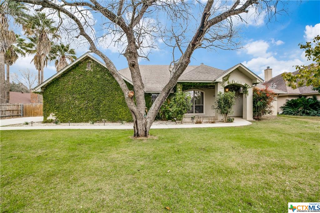 106 Rock Dove Lane Property Photo - McQueeney, TX real estate listing