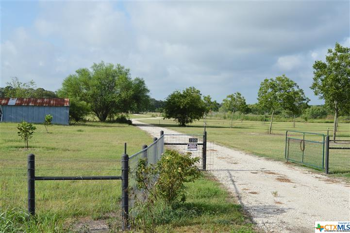 1555 Branecky Property Photo - Gonzales, TX real estate listing