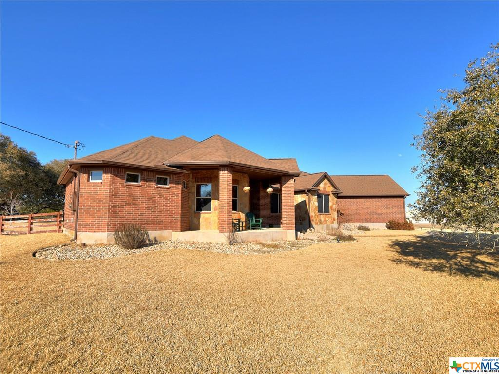 133 Stonehouse Drive Property Photo - Liberty Hill, TX real estate listing