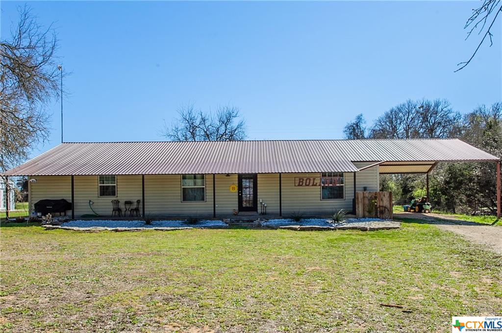 1621 County Road 305 Property Photo - Jonesboro, TX real estate listing