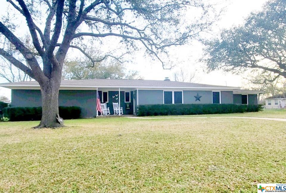 1101 E Morgan Avenue Property Photo - Cuero, TX real estate listing