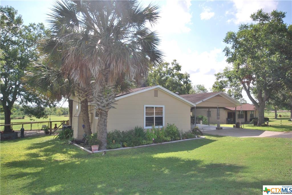 507 S Lavaca Property Photo - Moulton, TX real estate listing