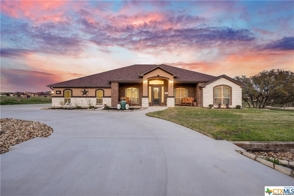 937 County Road 4772 Property Photo - Kempner, TX real estate listing
