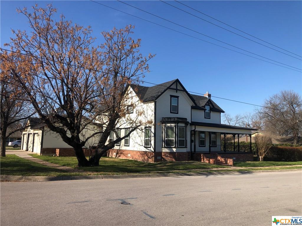 207 W 3rd Street Property Photo - Lampasas, TX real estate listing
