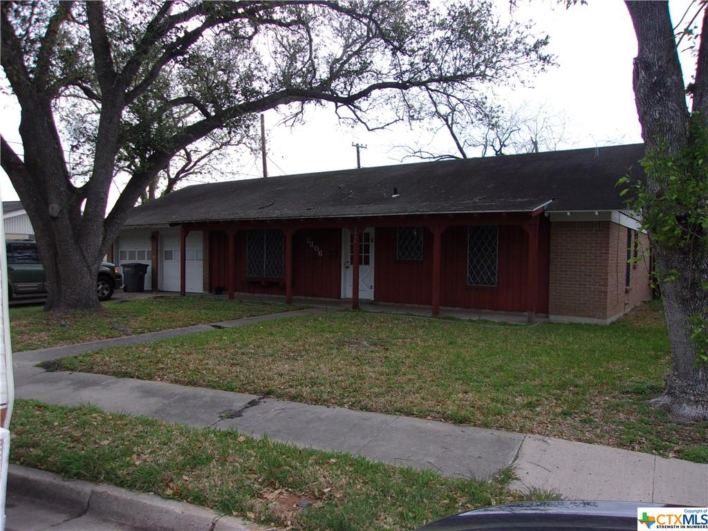 E Poplar Avenue Property Photo - Victoria, TX real estate listing