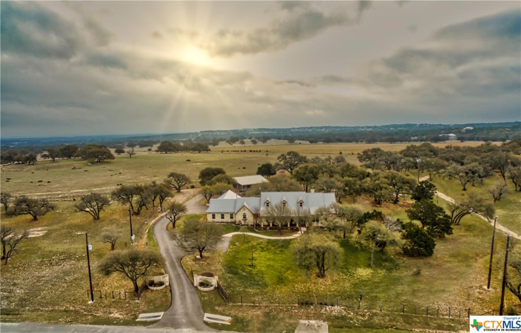 114 El Nopal Drive Property Photo - Blanco, TX real estate listing