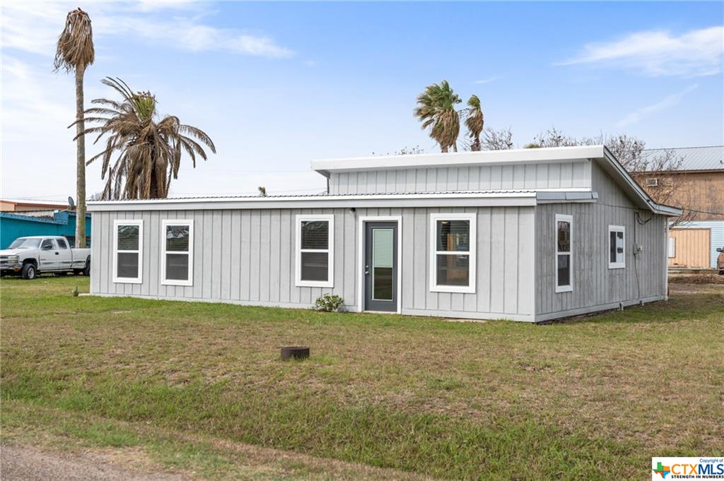 201 Matagorda Drive Property Photo - Port Mansfield, TX real estate listing