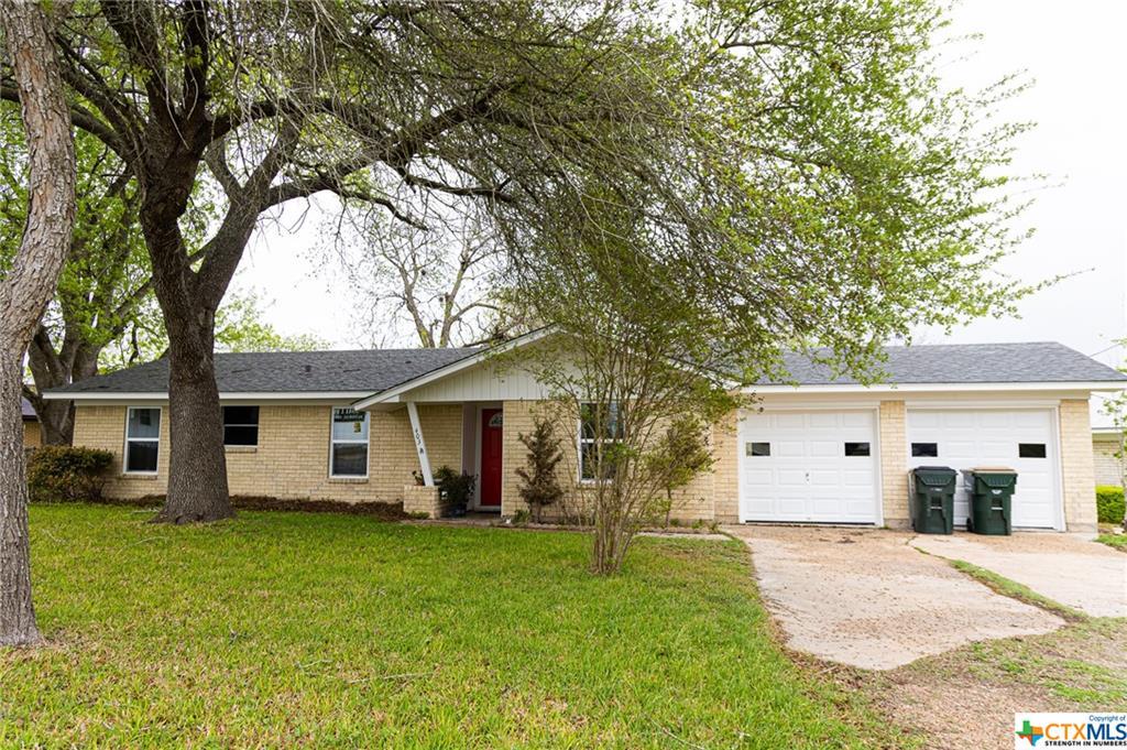 403 W Bobkat Property Photo - Moulton, TX real estate listing
