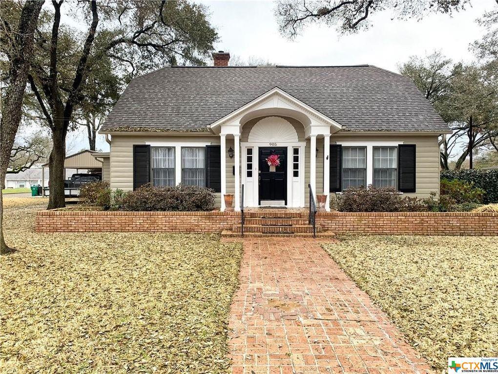 E 12th Street Property Photo - Cameron, TX real estate listing
