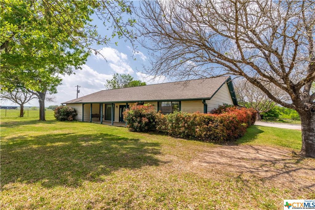 Woodrow Center Road Property Photo - Kingsbury, TX real estate listing