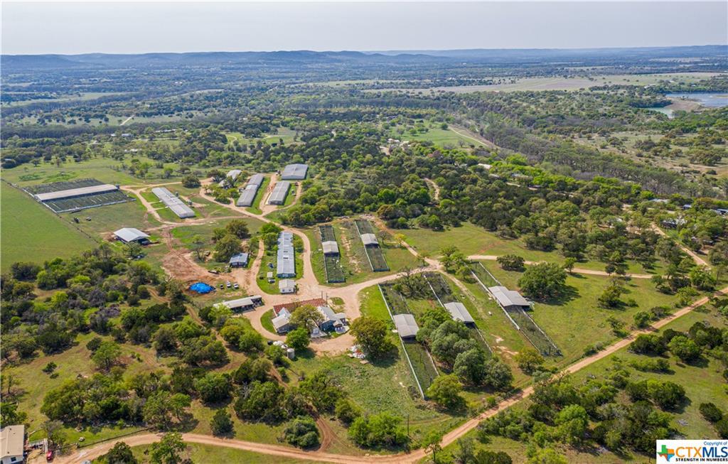 1598 Highland Drive Property Photo - Bandera, TX real estate listing