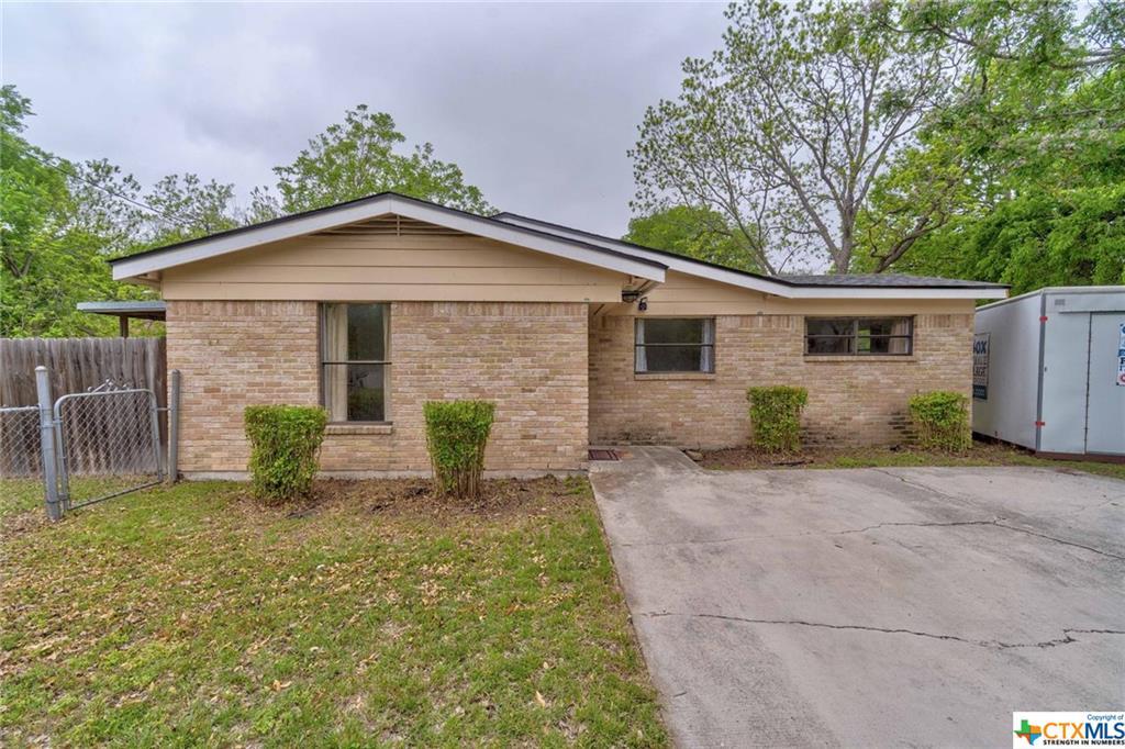 208 Hackberry Street Property Photo - Lockhart, TX real estate listing