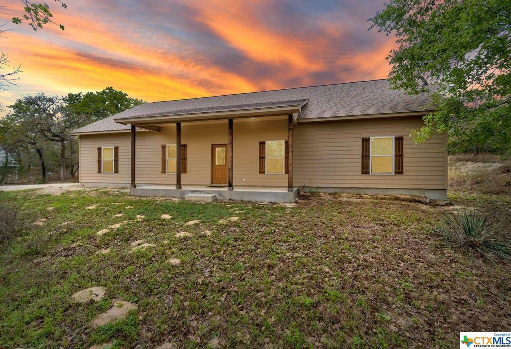 956 Powder Ridge Property Photo - Luling, TX real estate listing