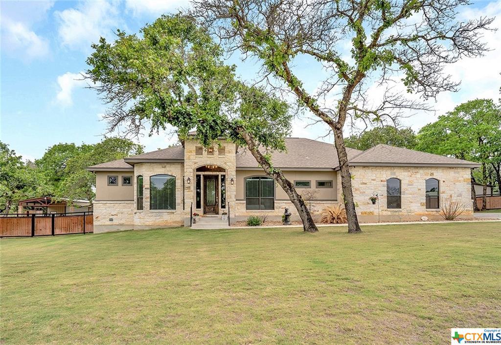 104 Hidden Pond Drive Property Photo - Adkins, TX real estate listing