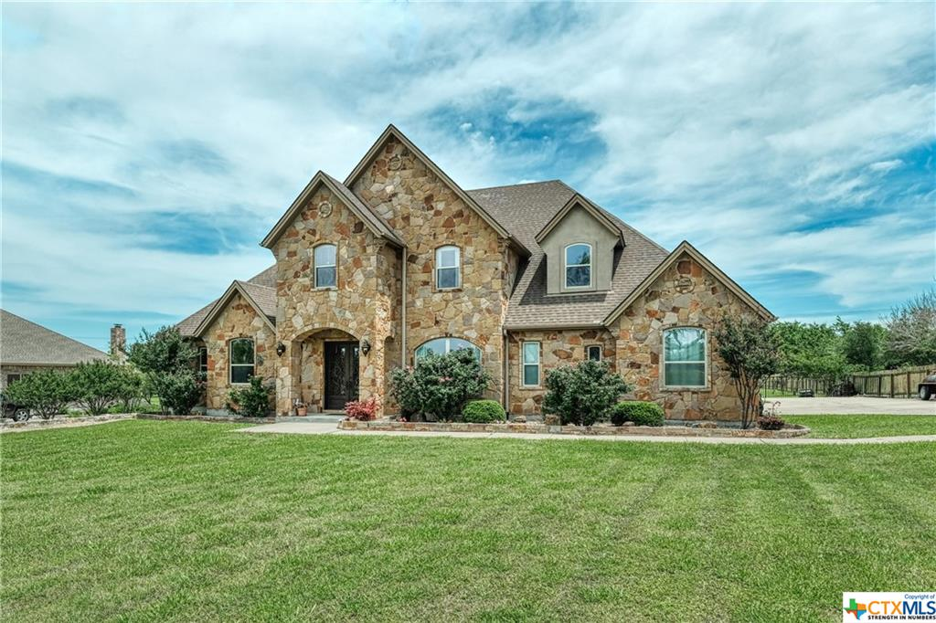 300 Apache Pass Property Photo - Hutto, TX real estate listing