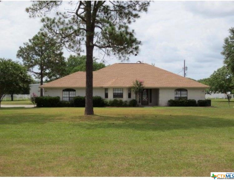 3162 Benbow Road Property Photo - Inez, TX real estate listing