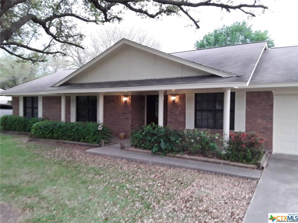 1002 Fairlane Property Photo - Ganado, TX real estate listing