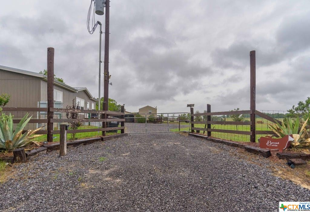 1500 Wattsville Road Property Photo 1