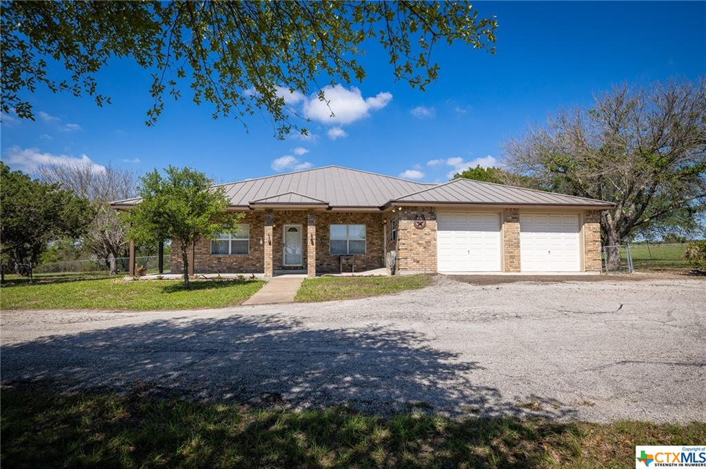 1919 Wetz Road Property Photo - Marion, TX real estate listing