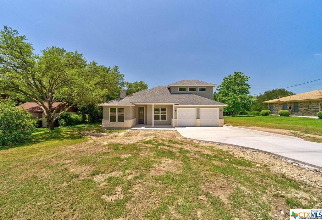 130 Oak Creek Circle Property Photo - Luling, TX real estate listing