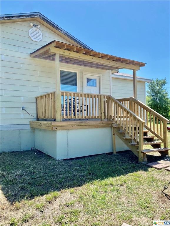 425 Smitty Lane Property Photo - Lockhart, TX real estate listing