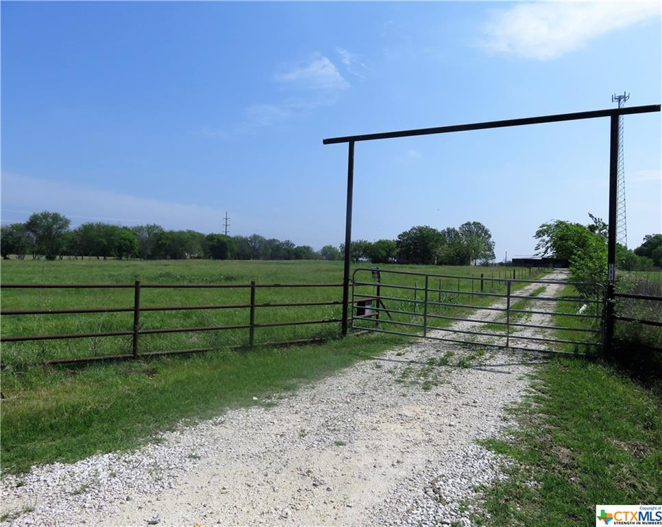 588 Sassman Road Property Photo - Marion, TX real estate listing