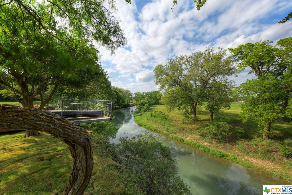 320 River Ranch Circle Property Photo 1