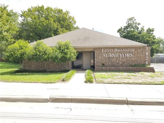 1028 N Sylvania Property Photo