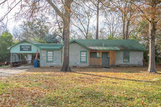 511 Baker Property Photo