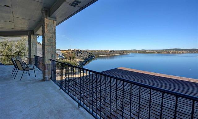 215 Bay Hill Property Photo