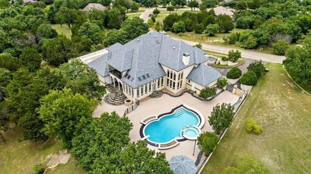 2308 Hillview Property Photo