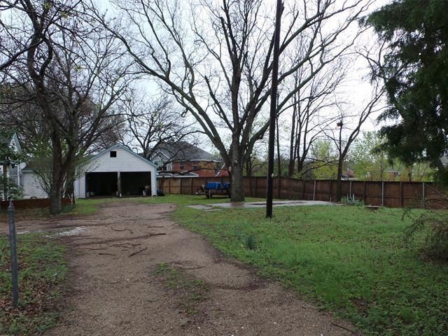1602 Pleasant Valley Property Photo