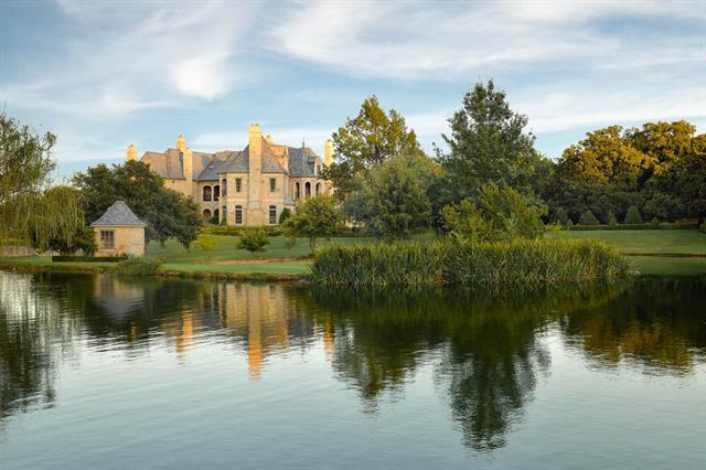 000 Westlake Property Photo