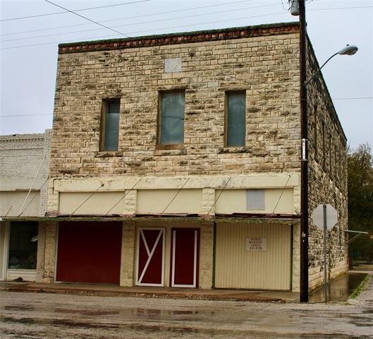 100 S 1st Property Photo