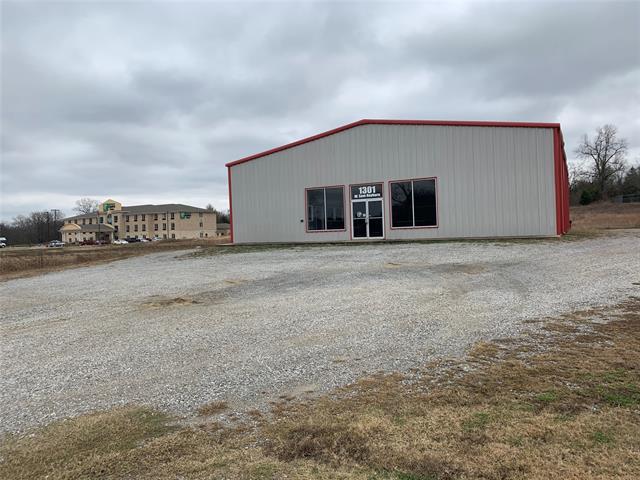 1301 W Sam Rayburn Drive Property Photo 1