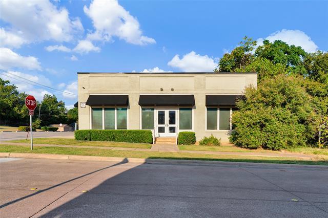 2260 College Property Photo