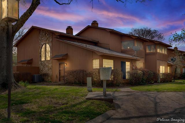 3516 Eastlake Property Photo