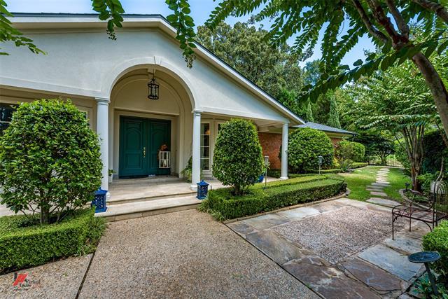 5545 S Lakeshore Drive Property Photo 1