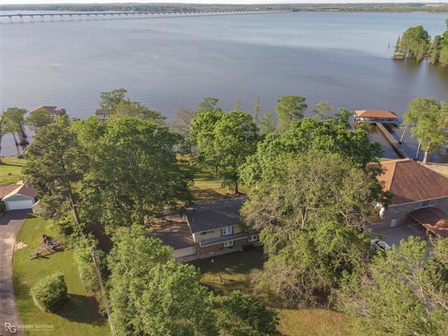 1606 Cross Lake Boulevard Property Photo 1